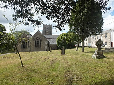Photo Gallery Image - The graveyard at St Andrew's Parish Church